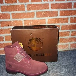 Timberland 6inch premium suede Boot. Red SZ 8.5
